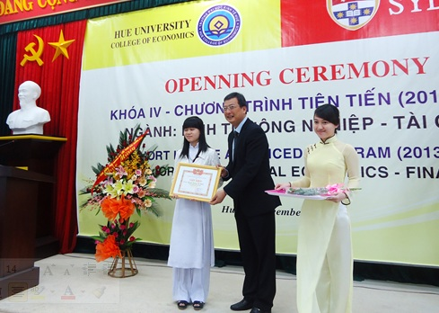 Hue University College of Economics: Entrance Ceremony for the fourth cohort of the Advanced Program joined with the University of Sydney, Australia