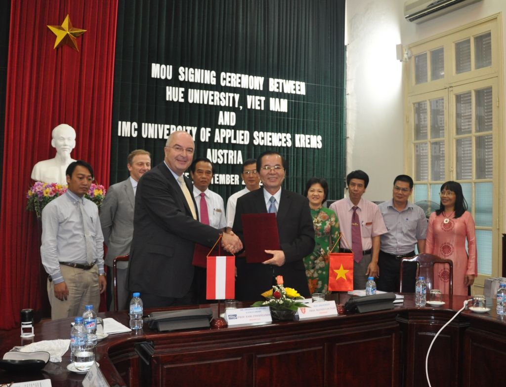 Hue University enters into a MoU with IMC University of Applied Sciences Krems, Austria